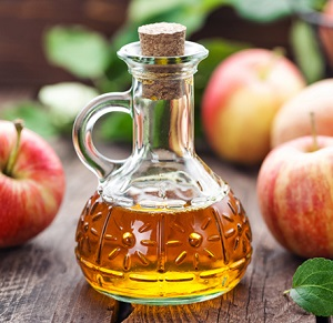 Fitnesseq.com - How to Eliminate Dandruff with Natural Remedies - Apple cider vinegar